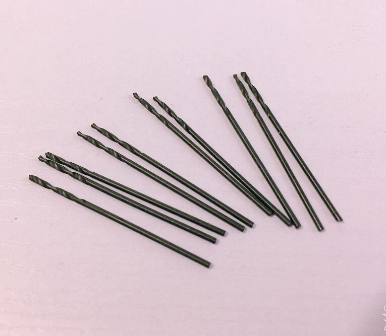 10PCS 1.05/1.15/1.25/1.35/1.45/1.55/1.65/1.75/1.85/1.95/2.05mm HSS Straight Shank Twist Drill Carbon Steel Material Wood Metal