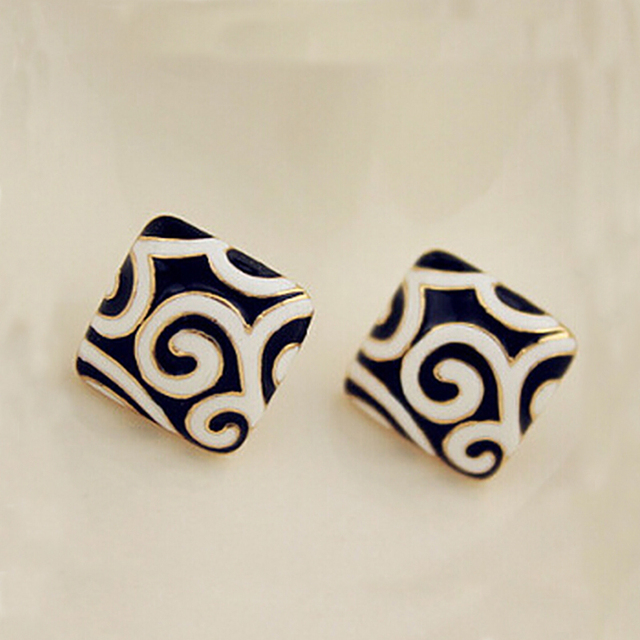 Square Earring  1
