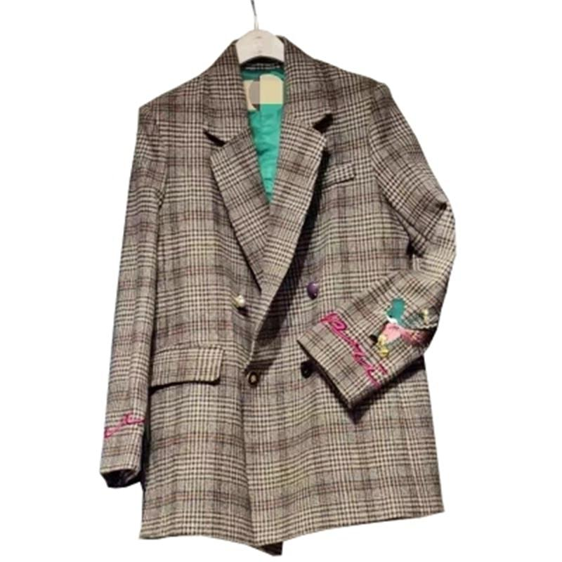 Women Plaid Blazers Suit Ladies Autumn plaid embroidery in the long paragraph loose retro plaid woolen