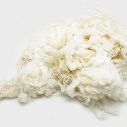 Darmowa wysyłka Peru alpaki kędzierzawy z włókna do wełny filc biały 50g (filcowanie igłą) szczególnie dla pudel/Bichon i owiec