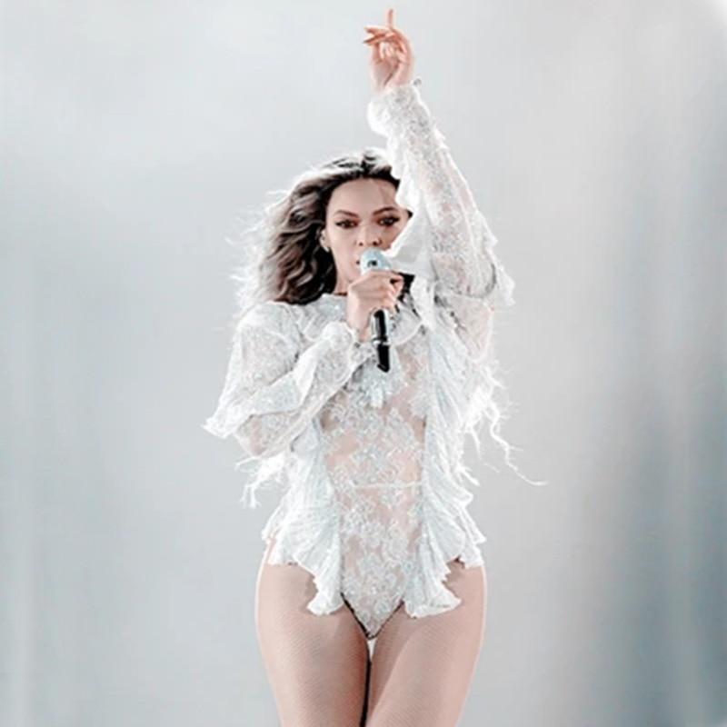 Casually, Beyonce no panties oops