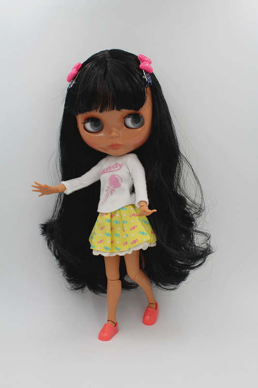 Blygirl Blyth doll black hair BL48517 black body with 19 joints 1/6 body The hand can be rotated blygirl blyth doll golden wave curls doll no 31bl74 joints body 19 joints normal skin the hand can be rotated