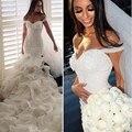 Nueva Llegada Corsé Blanco Con Cuentas de Organza Vestidos de Novia de Sirena Capas Skrits Off-Hombro Barato Vestidos de Novia vestido de novia