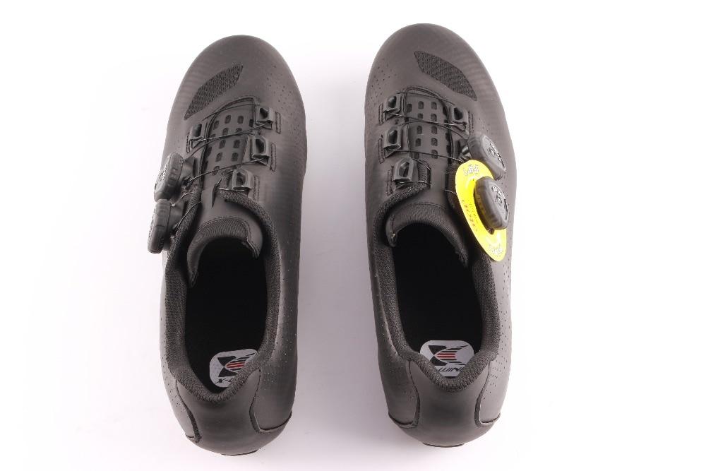 bloqueio sapatos ciclismo homem corrida de estrada