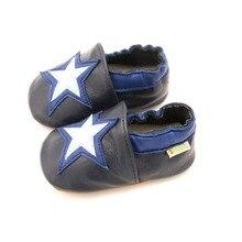 Обувь для новорожденных; мягкая обувь из натуральной кожи для маленьких мальчиков; Милые стильные ботиночки со звездами для маленьких мальчиков; обувь для малышей