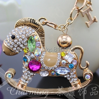 Free Shipping High Quality Cute Crystal Rhinestones Whirligig Horse Metal Car Keychain Souvenir Personalized Gifts