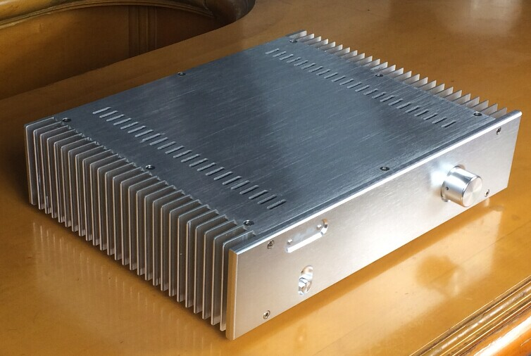 The aluminum alloy power amplifier box has external heat dissipation the silver side radiator is 360 wide X80 high X268 deep 055The aluminum alloy power amplifier box has external heat dissipation the silver side radiator is 360 wide X80 high X268 deep 055