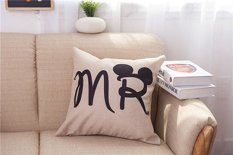 HTB18D.6JFXXXXcLaXXXq6xXFXXXP - Poszewka na poduszkę Mr and Mrs