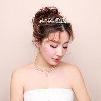 Corea del oro color Juegos de joyería para novia perla de imitación corona cuelgan Pendientes collar chockers mujeres desfile bijoux accesorio