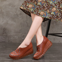 Tyawkiho Genuine Leather Women Pumps Embroidery 8 CM High Hees Set Foot Lazy Shoes 2018 Spring Women Pumps Retro Handmade Shoes
