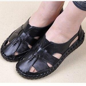 Image 5 - BEYARNE Sandalen 2018 Sommer Echtem Leder Handgemachte Damen Schuh Leder Sandalen Frauen Wohnungen Retro Stil Mutter Schuhe