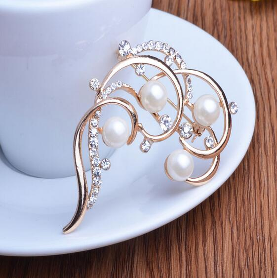 Fashion jewelry personality cute rotary plum pearl Brooches brooch pin sm Cat Eye Stone silver Popular Drip Badge Pin Suit