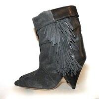Темно серый с бахромой Для женщин сапоги из натуральной кожи Острый носок Винтаж ботинки с бахромой шпильке обувь на танкетке и высоких каб