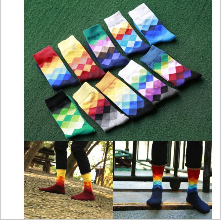 2017 10 colors Mens socks British Style Plaid calcetines Gradient Color brand elite long cotton for happy men wholesale  socks