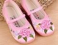 Grandes zapatos de las muchachas mary jane bordado de la flor caminante zapatos niños poco niños para el baile de la boda China tradicional