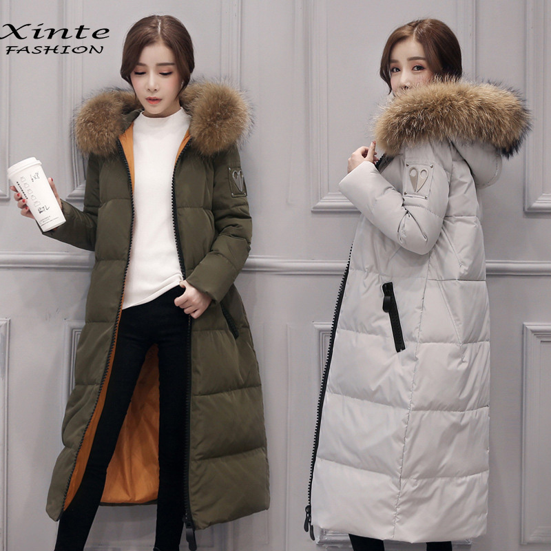 Одежда высшего качества 2017 Для женщин зимняя куртка длинные Подпушка пальто 100% реальные енота Мех животных капюшоне верхняя одежда, парки теплый подарок