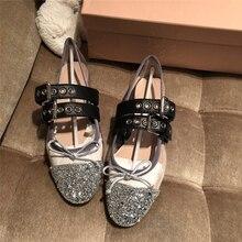 ff0aa9e749b8 Marque Designer Bling Paillettes Tissu chaussures pour femmes Papillon  Noeud Décor Rivets Embelli ballerines chaussures pour
