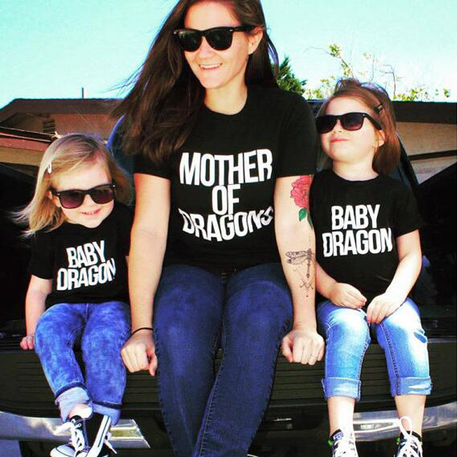 Black t shirt outfit tumblr - Mother Of Dragons T Shirt Cotton Short Sleeved Family Matching Outfits Mom And Daughter Black White Top Tees Baby Dragon Shirt