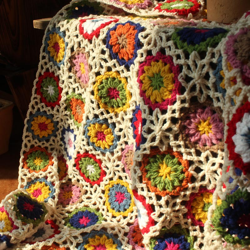 New retro daisy handmade woolen crochet sleeping blanket for Table th row group