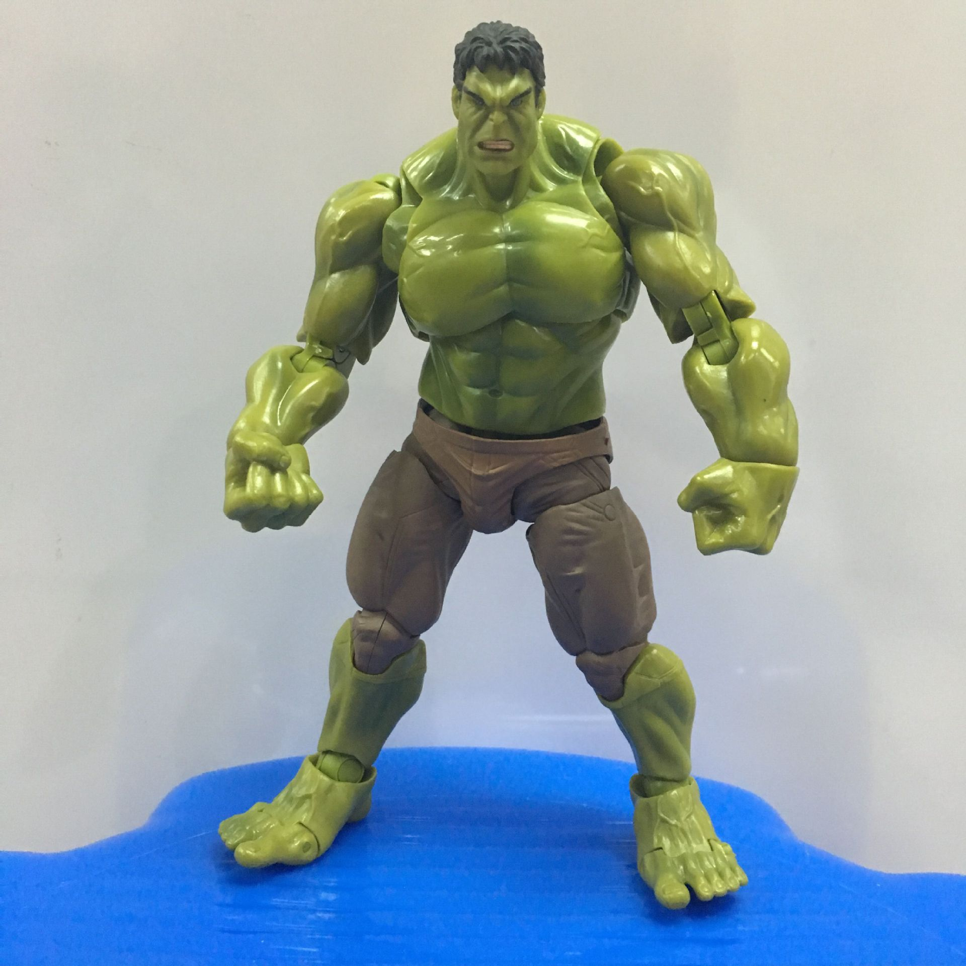ФОТО Avengers Figures Hulk Action Figures Pvc Superman 17cm Figma Hot Toys Kids Toys Collection Models