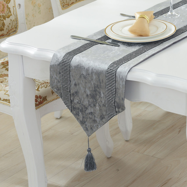 Genial New Elegant European Concise Style Rhinestones Table Runner Luxury Modern  Minimalist Cotton U0026 Linen Decorative Table