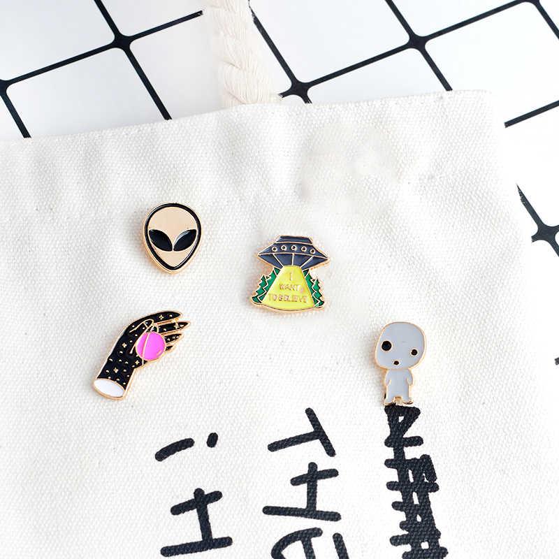 Dibujo UFO mano Alien bebé broche del planeta Pin Metal esmalte Pins botón mochila cuello para ropa Pin icono de insignia regalo para niños