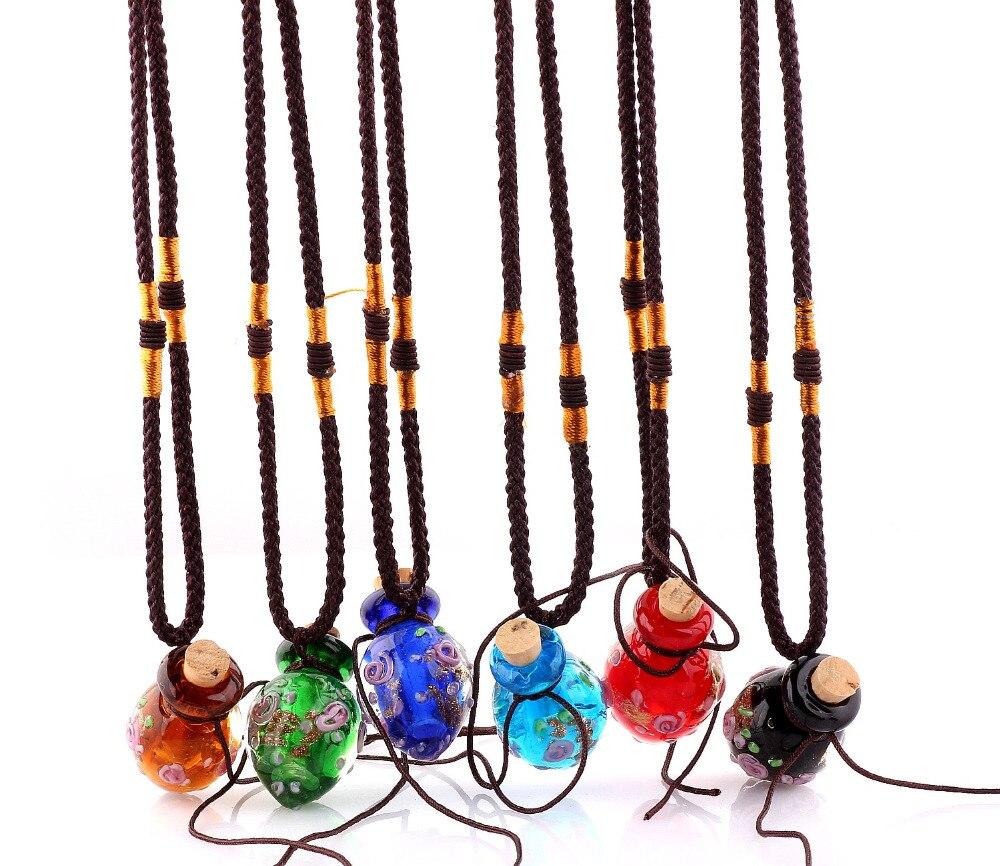 Art und Weise 6pcs Blumen hängende Halskette bunte Lampwork Glas hängende Halskette ätherisches Öl Diffusor Herz Parfümflaschen KOSTENLOS
