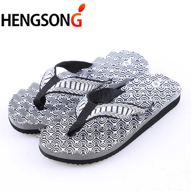9395609e70d8 2018 Summer Beach Shoes Men s Slippers Sandals Fashion Totem Print Sandalias  Men Flip Flops Outside Flat