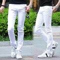 La nueva primavera y el verano 2017 de los hombres de gran tamaño pantalones vaqueros blancos de los hombres de moda de Corea hombres casual estiramiento flaco jeans 28-36