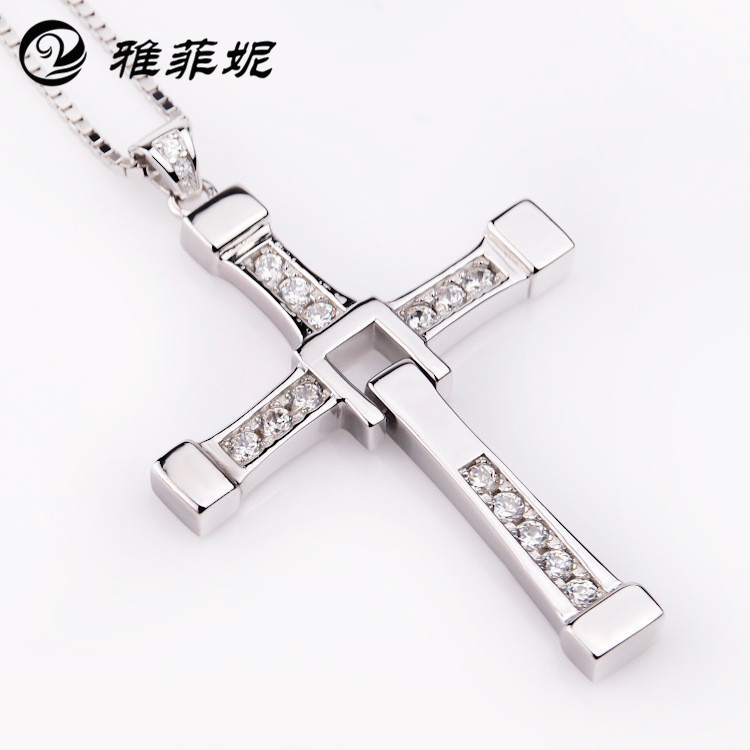 925 sterling silver European jewelry fast and the furious men with Toledo cross pendant necklace sweater chain 100% high quality the fast and the furious celebrity vin diesel item crystal jesus cross pendant necklace for men gift jewelry
