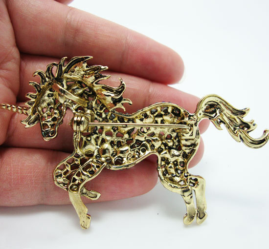 Elegant  Unicorn  Blue Crystal Rhinestone Brooch Pin Pendant