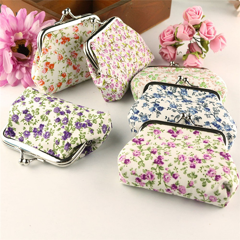 2018 Fashion Small Floral Fabric Mini Coin Purse For Women one pack Wallet Color Random Hasp Hobos Casual Children Gift Key Bag