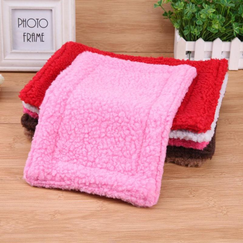 Soft Coral Fleece Hamster Mat Plush Pet Hamster Cushion Mat Hedgehog Squirrel Warm Blanket Guinea Pig Bed Sleeping Bed D3