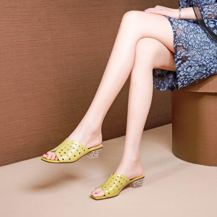 Ayakk.'ten Terlikler'de MLJUESE 2019 kadın terlik Koyun Derisi yaz burnu açık kesikler sarı renk kare topuk plajlar sandalet parti elbise boyutu 34  42'da  Grup 1