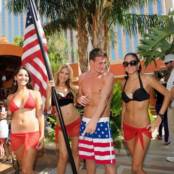 2018 New arrive Mens Shorts Surf Board Shorts Summer Sport Beach Homme Bermuda Short Pants Beachwearr Boardshorts 301