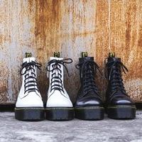 2018 г. кожаные мартинсы женские ботинки на шнуровке на платформе осенне зимняя обувь Женский для верховой езды мотоциклетные ботинки 010