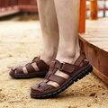 Verano sandalias puntera cubre zapatos de la playa de los hombres de cuero genuino zapatos anti-que patina durable gancho hecho a mano de los pescadores y bucle