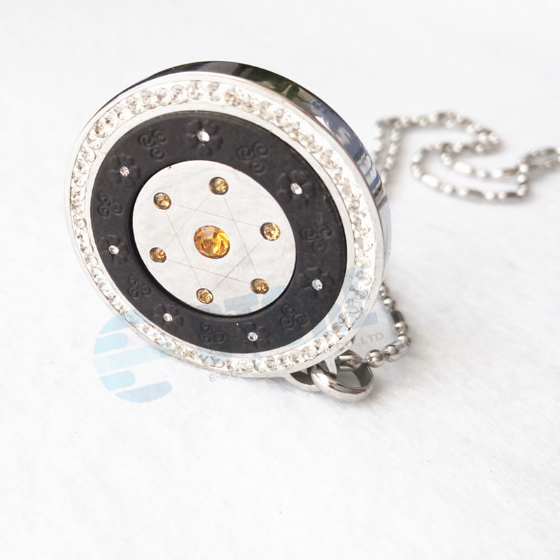 50 pcs wholesales quantum pendant 네거티브 이온 에너지 펜던트 참 5 색 hq 소매 패키지 상자 건강 보석 선물-에서펜던트부터 쥬얼리 및 액세서리 의  그룹 3