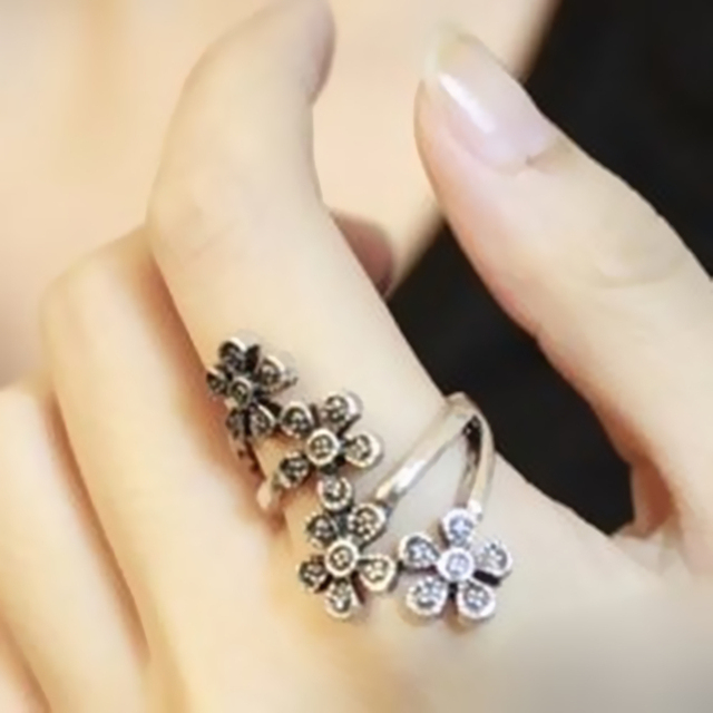 2018 New Bohemia Cute Flower Ring Retro Plum Flower Blossom Ring Wholesale Femal
