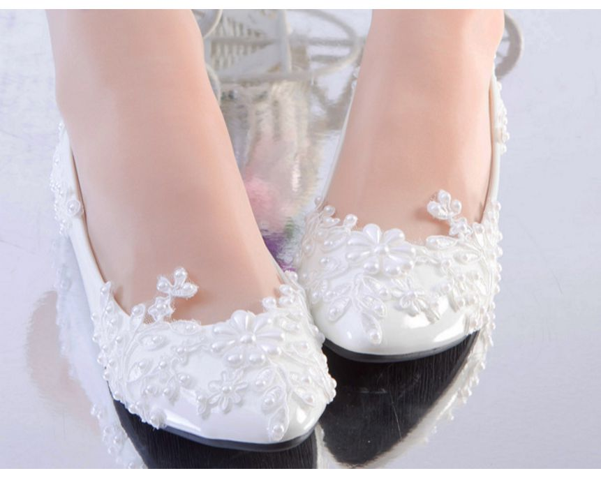 White lace pearl sweet bridal wedding shoes woman handmade low high heel customized bridal shoes white lace party pumps HS079