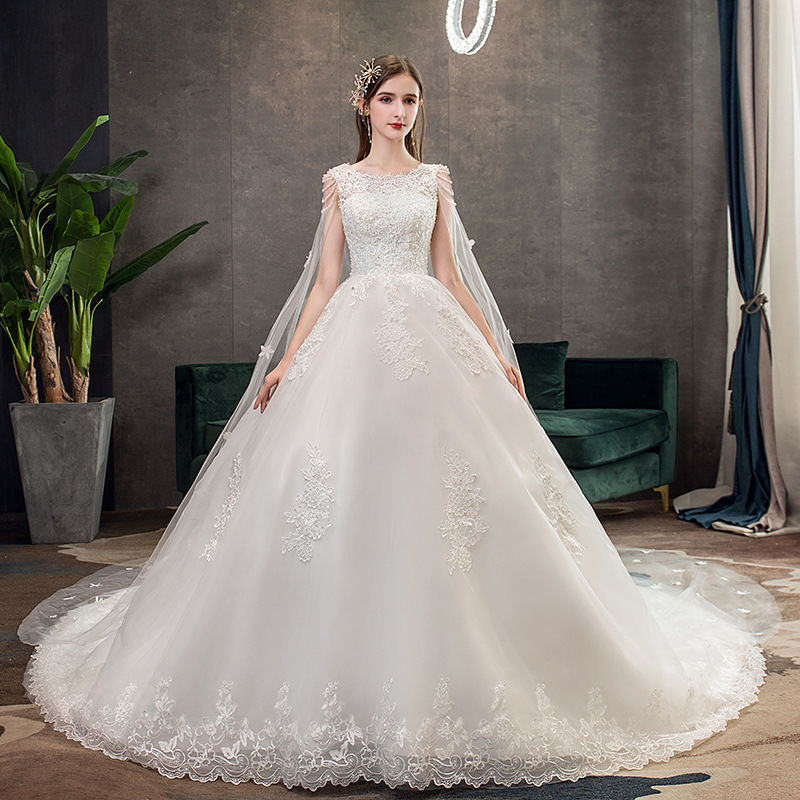 Off White With Big Train Plus Size 2019 New Wedding Dress O Neck Sleeveless Lace Applique Slim Luxury Bridal Gown Robe De Mariee