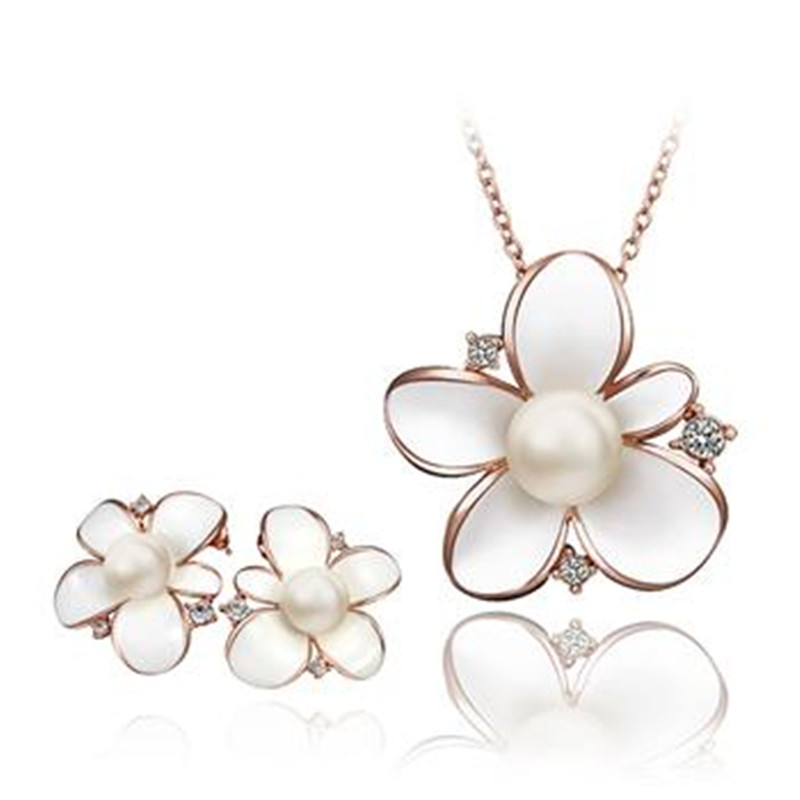 2016 High quality simple and elegant high-grade gold-plated pearl flower wild temperament Necklace Earring Sets hot selling tide