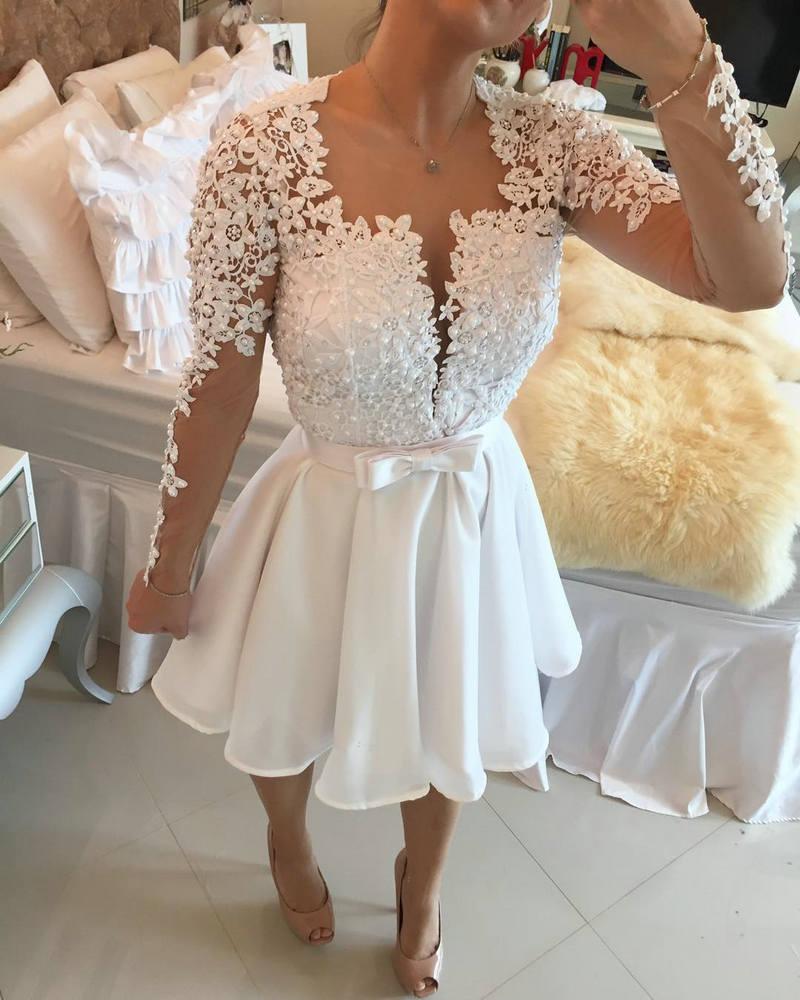 Vestido branco curto para fotos de formatura