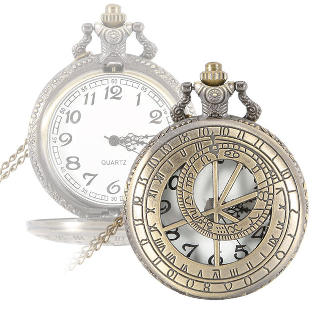 Unisex Pocket Watch Retro Steampunk Round Quartz Pocket Watch Roman Number Hollo