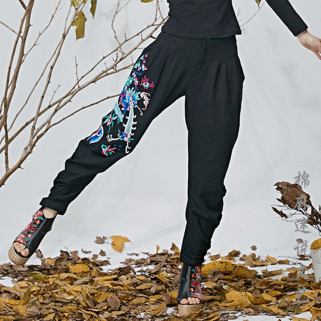 The new women's national art embroidery do wind fold wide leg cross legged trousers slacks