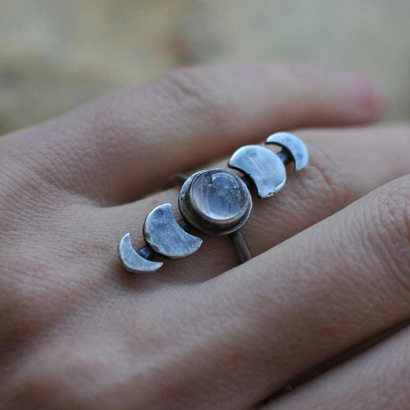 Cute Female Small Wedding Finger Ring Fashion Unique Style Moon Phase Engagement Ring Boho Simple Moonstone Ring Jewelry