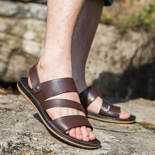 2019 Genuine Leather Sandals Men Summer Shoes New Fashion Mens Beach Sandals Cow Leather Footwear Male Black Shoes A1454