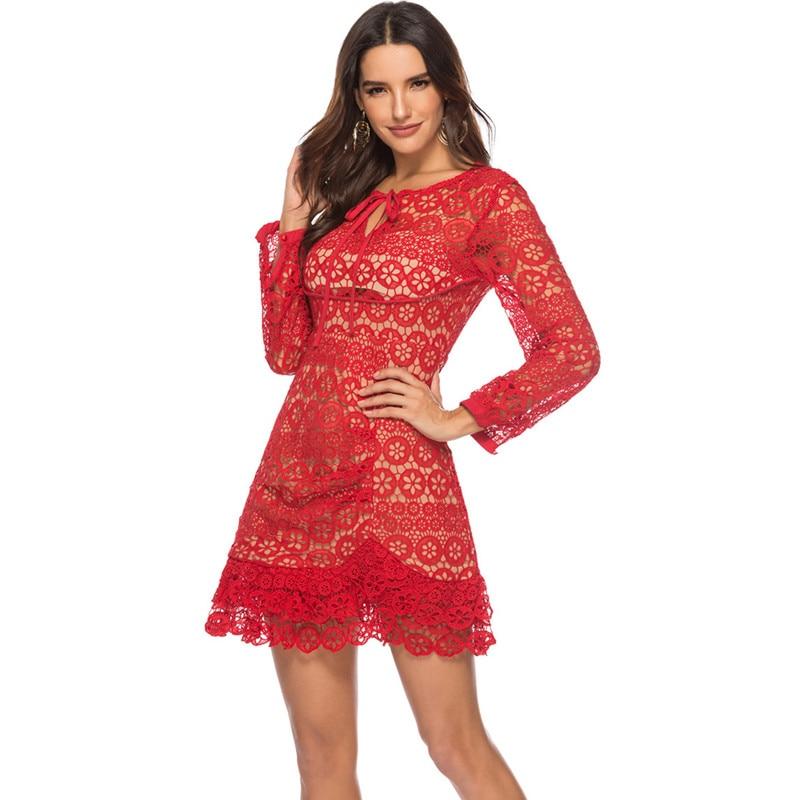 HAMALIEL Piste Auto Portrait Dentelle Crochet Partie Robe D'hiver Femmes Rouge Évider Arc À Manches Longues Robe Féminine Moulante Robes