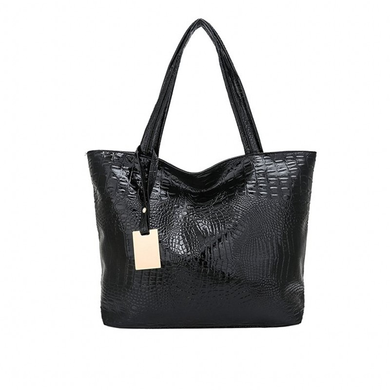 Woven bag Contracted joker large capacity Shoulder Bag European and American style Gold or silver Leisure Women Fashion