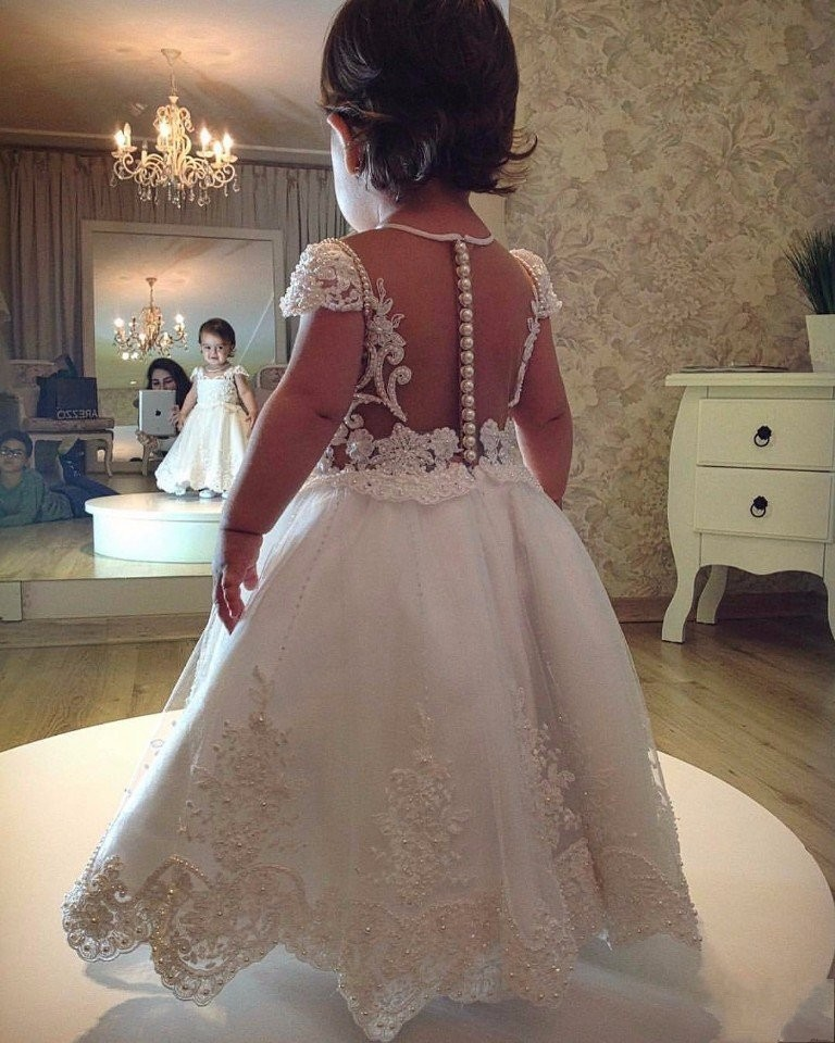 2019 Flower Girl Dresses For Weddings A line Cap Sleeves Tulle Appliques Pearls Long First Communion